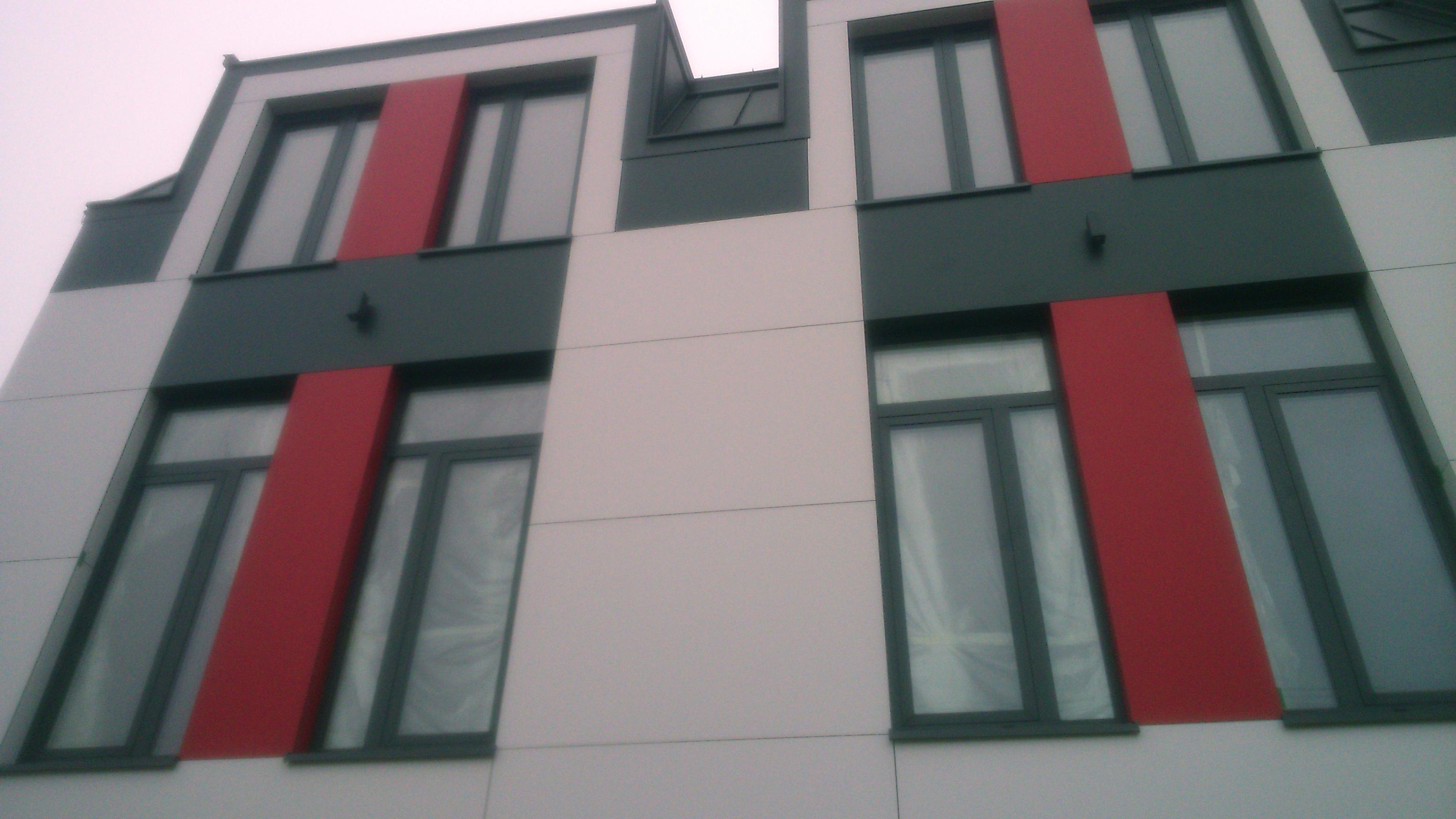Budynek usługowo handlowy płyty HPL 3