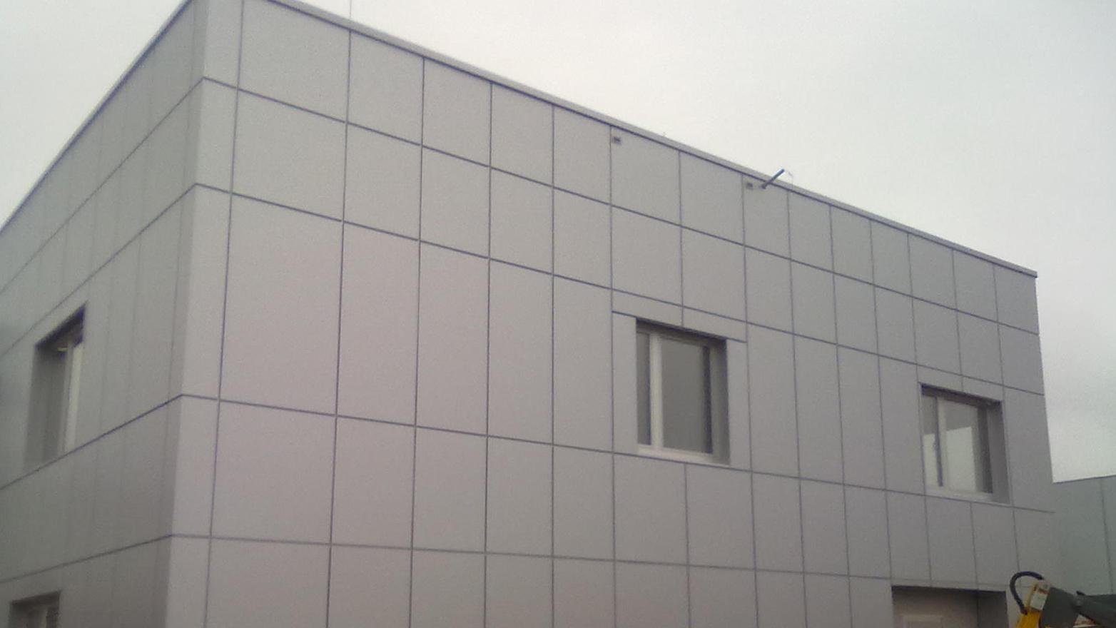 budynek biurowo produkcyjny wąbrzeźno alucobond 4