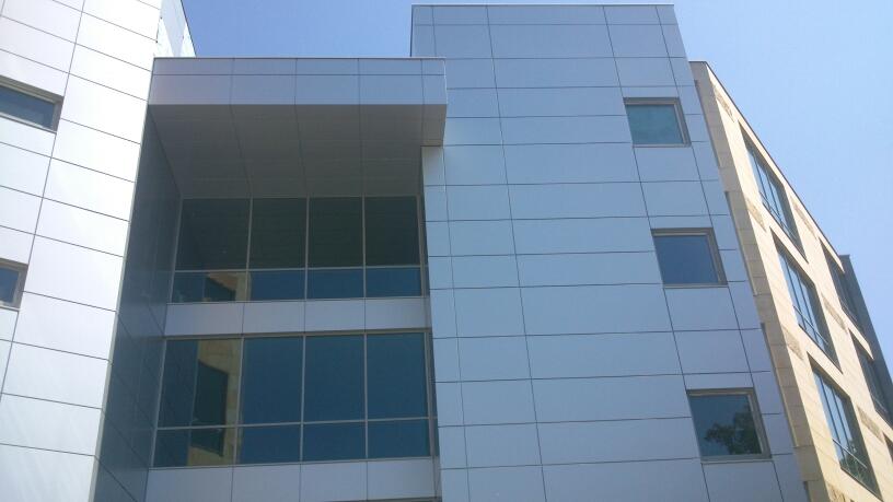 budynek biurowy warszawa alucobond 2