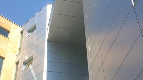budynek biurowy warszawa alucobond 3